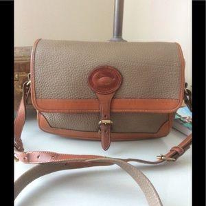 Vintage Dooney & Bourke messenger bag.